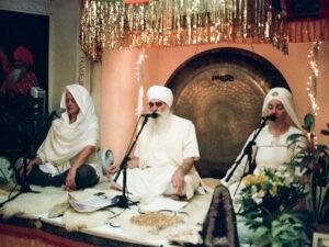 Guru Jagat Harijiwan Guru Jas on Stage Teaching